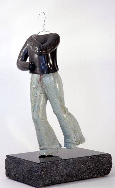 Femme en +Rquilibre, serpentine,marbre,41x17x25cm